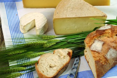 Soufflé au pain et au fromage fribourgeois