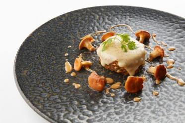 Crêpe-Kuchen und Eierschwämmeli mit Vacherin Fribourgeois AOP