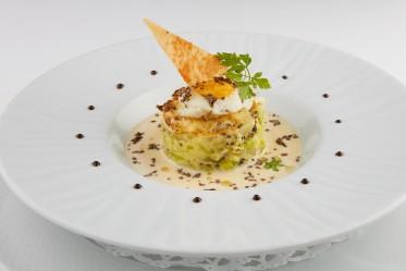 Pommes de terre nouvelles et Gruyère AOP aux poireaux, truffes et œuf de caille