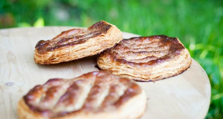Cuquettes (Blätterteigfladen)